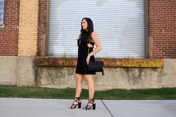 PHOTO + GLAM: BRITTANY DODDS    Dress / Crossbody:  Revv     Necklace:  e.Allen Boutique     Bracelet:  Kendra Scott     Shoes:  LOFT