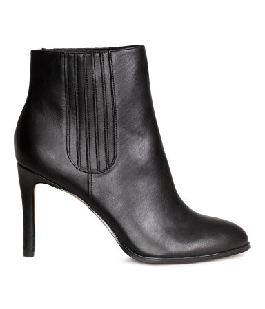 HM ANKLE BOOTIES $49