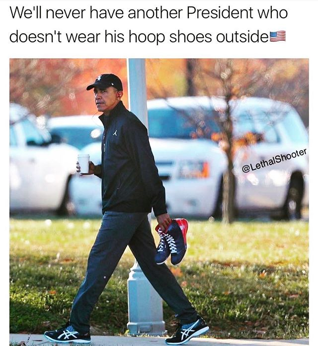 Sigh...😔. #44 #hoopshoes #thisaintforeverybody #thetomboibrunch #becauseladieslovesportstoo #sportsentertainmentandmimosas #realityradio #findusonitunes