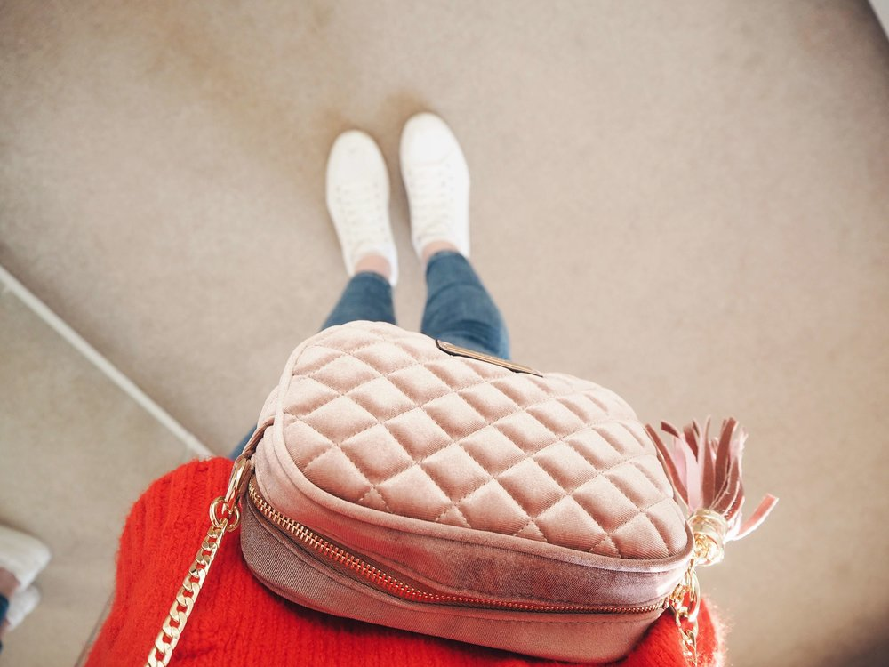 Outfit Style Pink Dune Suede Bag