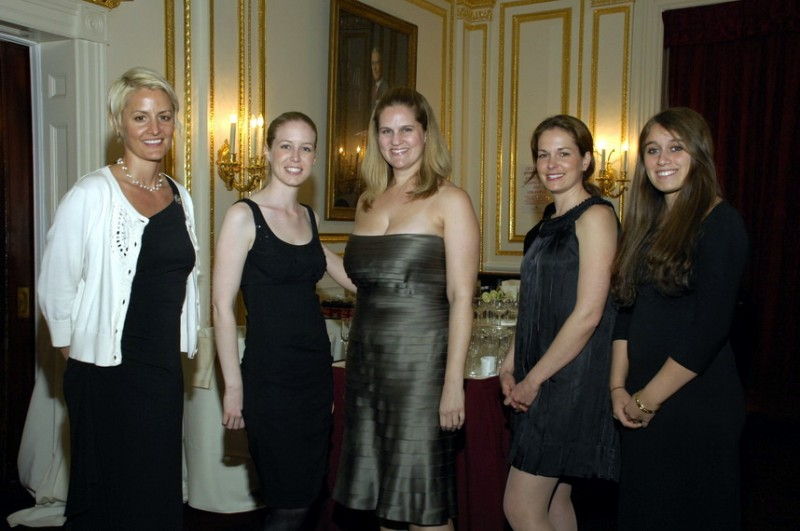 metropolitan-club-gala-2009-volunteers.jpg