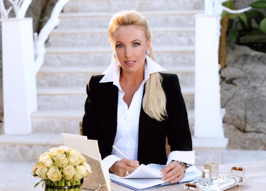 S.A.R. la Principessa Camilla_board.jpg