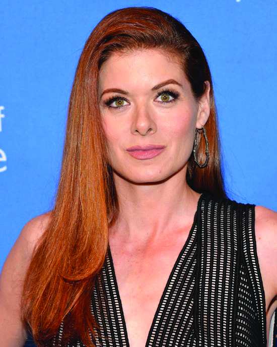 DEBRA MESSING - Presenter: Humanitarian Award
