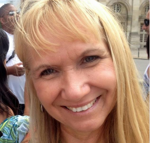 Linda Sampson.png