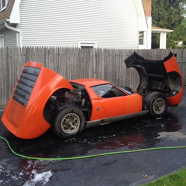 🍺to that first time I gave her a bath #lamborghini #miura #p400 #vintage #barnfindmiura #classiccar #whencarswerecars