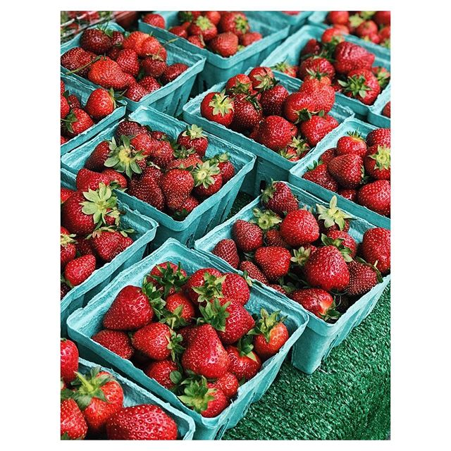 A summer staple from @unsqgreenmarket. Did you know that strawberries pack more #VitaminC per ounce than oranges? Share your favorite #farmersmarket seasonal fruit finds with us! #mkt #eatlocal #farmtotable #strawberries #summer #seasonal