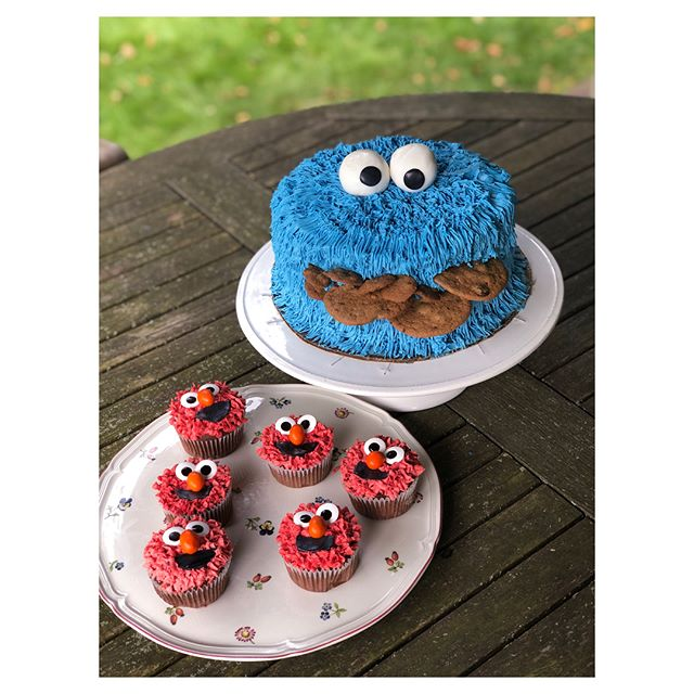 First birthday parties are a big deal around here!    #sesamestreet #specialtycakes #birthdaycake #mktcatering #pickleandlinkcatering #pickleandlinkpastry #mktpastry