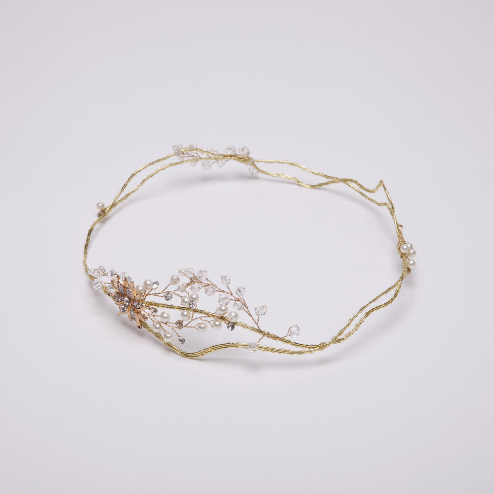 corona-flores-perlas-tocadosdemarieta.jpg