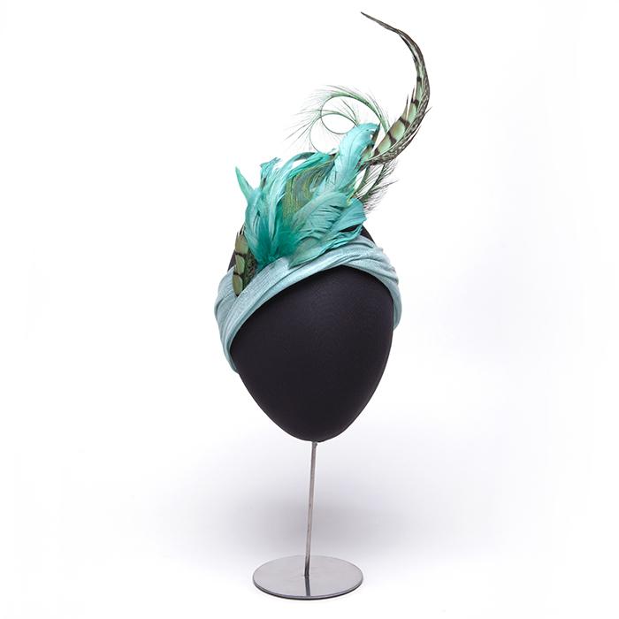 turbante-aguamarina-plumas-lostocadosdemarieta.jpg