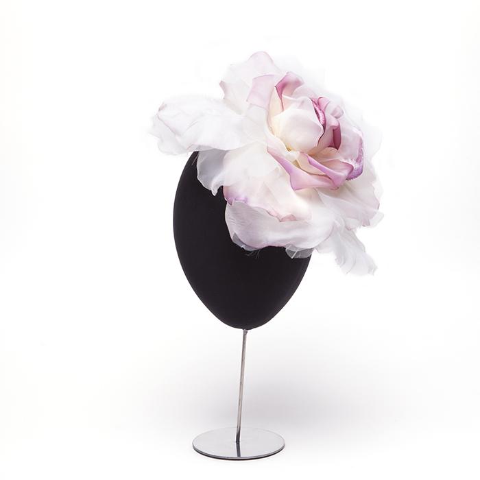 tocado-tela-petalos-rosa-blanco.jpg