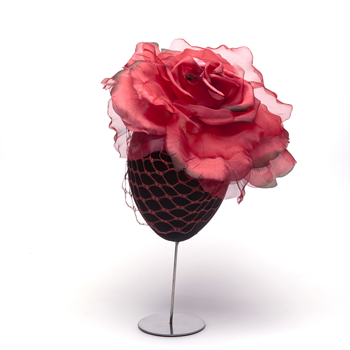 tocado-tela-petalos-rosa-rojo.jpg