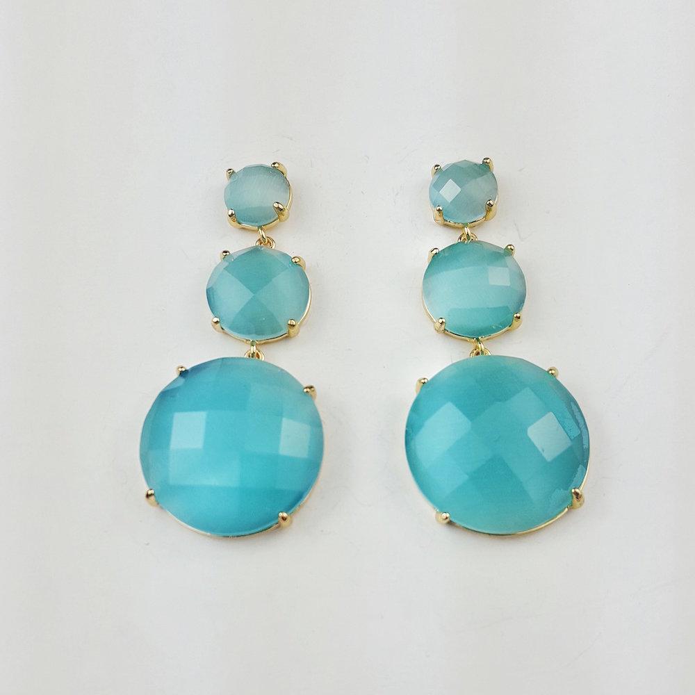 pendientes-largos-gemas-azul-claro-lostocadosdemarieta.jpeg