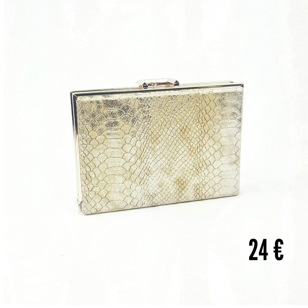Clutch de fiesta en color dorado