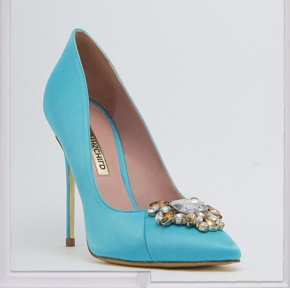 Con la puntera enjoyada de Rothschild Shoes