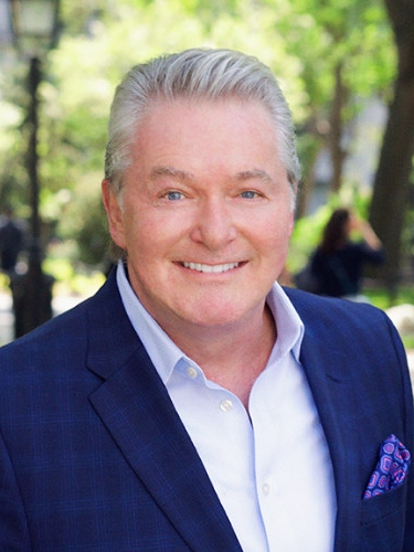 Tony Oakley - Tony Oakley joined COMPASS in 2018 as Sales Manager for the Upper West Side & Harlem offices. Formerly at Halstead as an associate broker was quickly promoted to Executive Director of Sales of the West Side office. With 20+ years of real estate sales experience, Tony comes from a family that has bought, sold and traded real estate for four decades.Prior to joining Halstead, Tony was an Associate Broker with The Corcoran Group and Elliman's UWS offices, focusing on resales & new development. Tony achieved enviable success at both firms. His training efforts extend from mentoring one-on-one, popular sessions at the Learning Annex and to classroom settings.