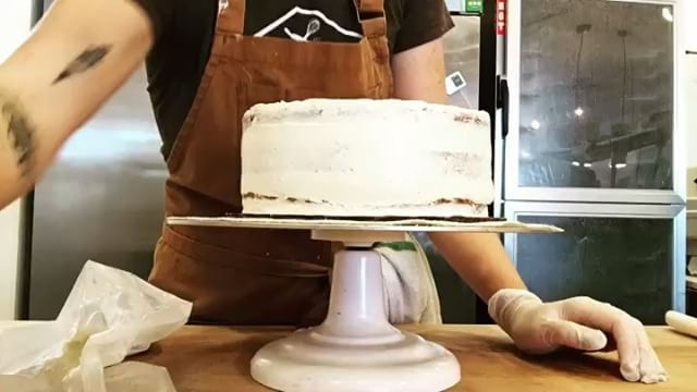 Behind the scenes with @elmlmla crushing some cakes! What's your favorite flavor, vanilla or chocolate? #luckyovenbakery #eatmpls