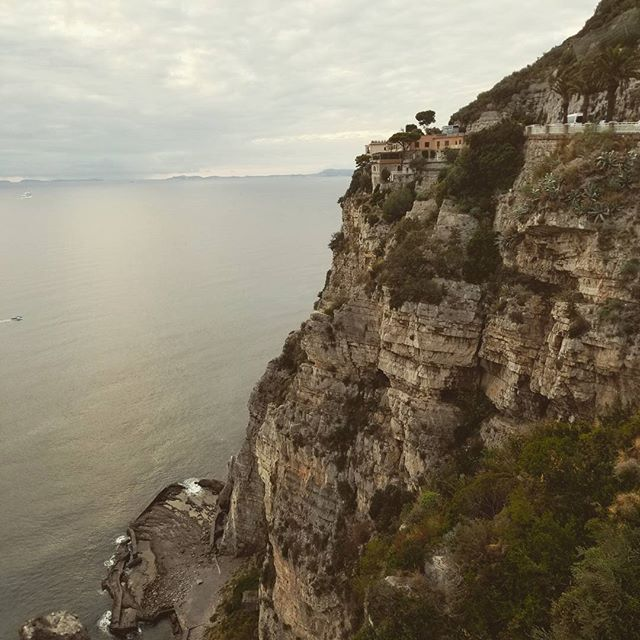 Amalfi coast..!! #travel #setlife🎥 #travelforwork #eatwelltraveloften #napoli #italy #locationsound