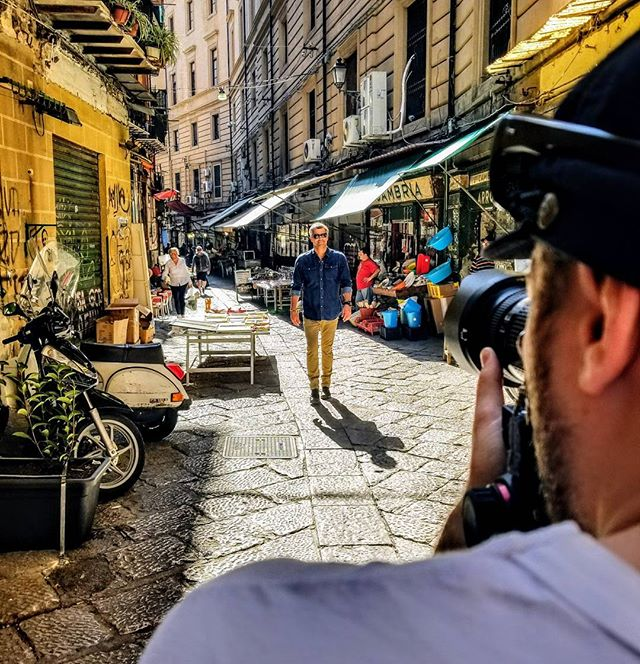 Roaming the streets. @lvka_creative & @paulino.duran making the scene. #palmero #italy #eatwelltraveloften #film #setlife🎥#music_voyager