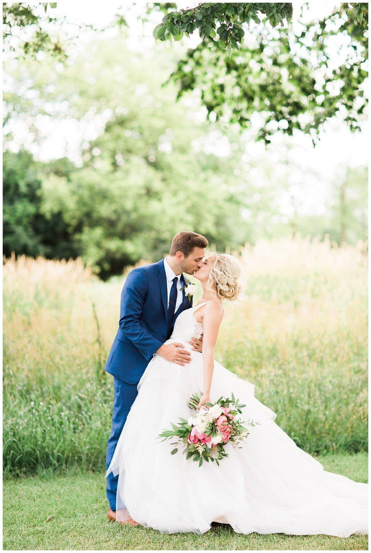 Alicia&Kurt_RavisloeCountryClubWedding_Chicagoweddingphotographer_RebeccaHaleyPhotography_0041.jpg