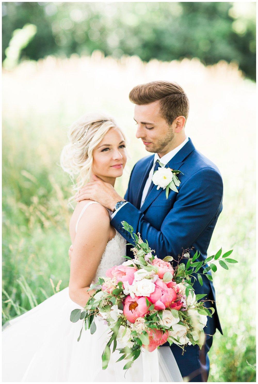 Alicia&Kurt_RavisloeCountryClubWedding_Chicagoweddingphotographer_RebeccaHaleyPhotography_0045.jpg