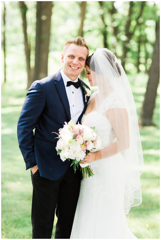 Alicia&Kurt_RavisloeCountryClubWedding_Chicagoweddingphotographer_RebeccaHaleyPhotography_0155.jpg