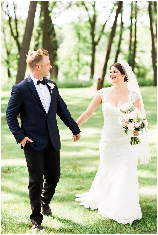 Alicia&Kurt_RavisloeCountryClubWedding_Chicagoweddingphotographer_RebeccaHaleyPhotography_0156.jpg