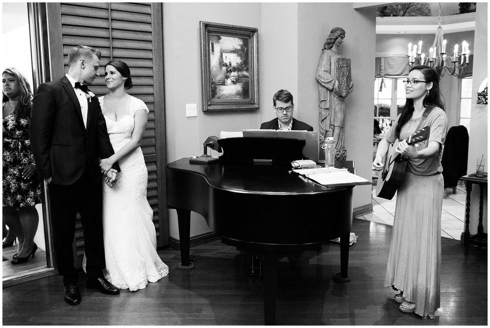 Alicia&Kurt_RavisloeCountryClubWedding_Chicagoweddingphotographer_RebeccaHaleyPhotography_0190.jpg