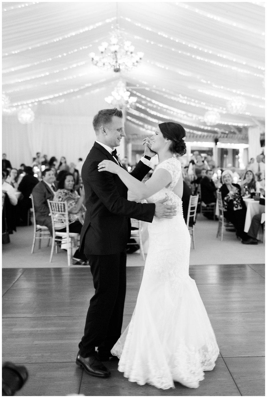 Alicia&Kurt_RavisloeCountryClubWedding_Chicagoweddingphotographer_RebeccaHaleyPhotography_0199.jpg