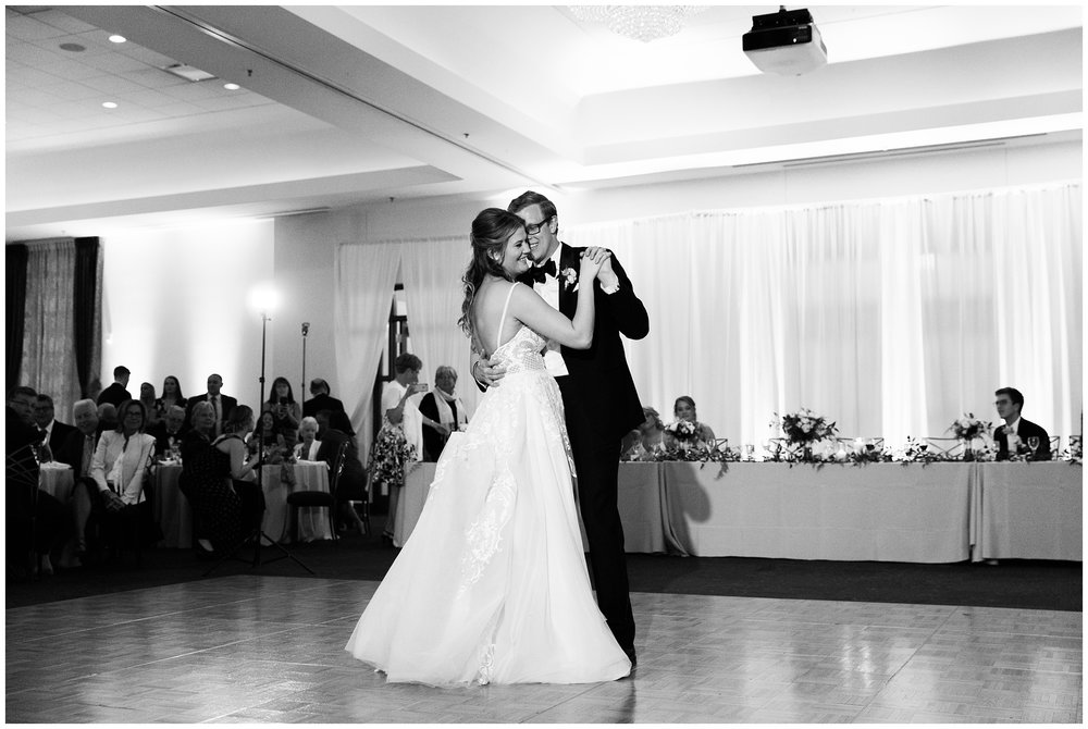 RebeccaHaleyPhotography_CuneoMansionWedding_CuneoMansion_CuneoMansionVernonHills_ChicagoBride_Chicagoweddingphotographer_denverweddingphotographer_coloradoweddingphotographer_coloradobride_0077.jpg