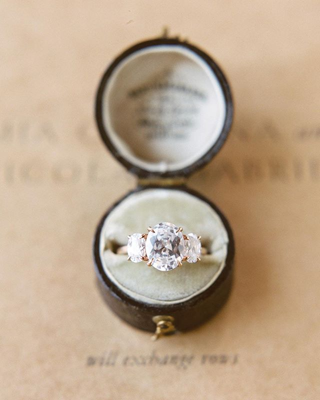 Do you like sparkle and vintage ring boxes!? Me too! 'Tis the season! And here's a tip, you might do yourself a favor and have a gander at @susiesaltzman collection.  Photography: @shannonmoffit  Ring: @susiesaltzman  Styling: @luxeandluna  Hair & Makeup: @emily.artistry  Location: @earlymountain  Florals: @lori_tran  Paper Goods: @isidore_augustine  Bridal attire: @annalisebridal  @moodandmuseboutique  Model: @rebekahpolo @woodvanmeter @theartistagency