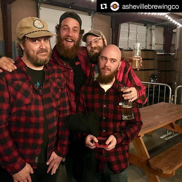Looking forward to the AVL➡️ATX colab! #Repost @ashevillebrewingco ・・・ We got together with a very good old friend @scottbrews from @idlevinebrewco to brew an amazing Rye Stout. The coordinating red flannels were completely on accident. We promise. 😉 Stay tuned for more details on this awesome beer and when it will be released! #collaboration #keepashevillehoppy #smallbatch #avlbeer #craftbeer #redflannel