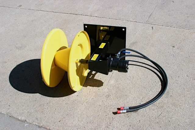 This is the complete universal wire winder you will receive unless you just need the framework only. It has been common for the customer that already has a 3 point hydraulic winder to order just the universal frame only shown below. All components from the 3 point unit, will bolt directly on this frame to give you another mounting option.