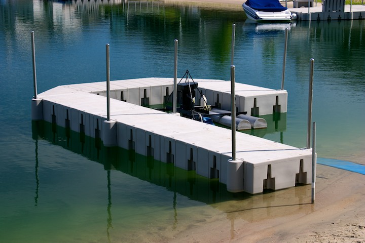 Docks walkways hotwoods for Fishing docks near me