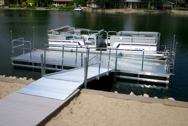 Hotwoods 816 and 12' aluminum dock in central Nebraska.