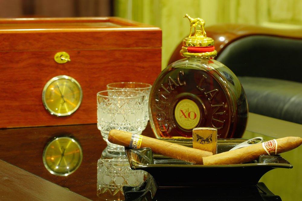 Cognac Cigars Detail.jpg