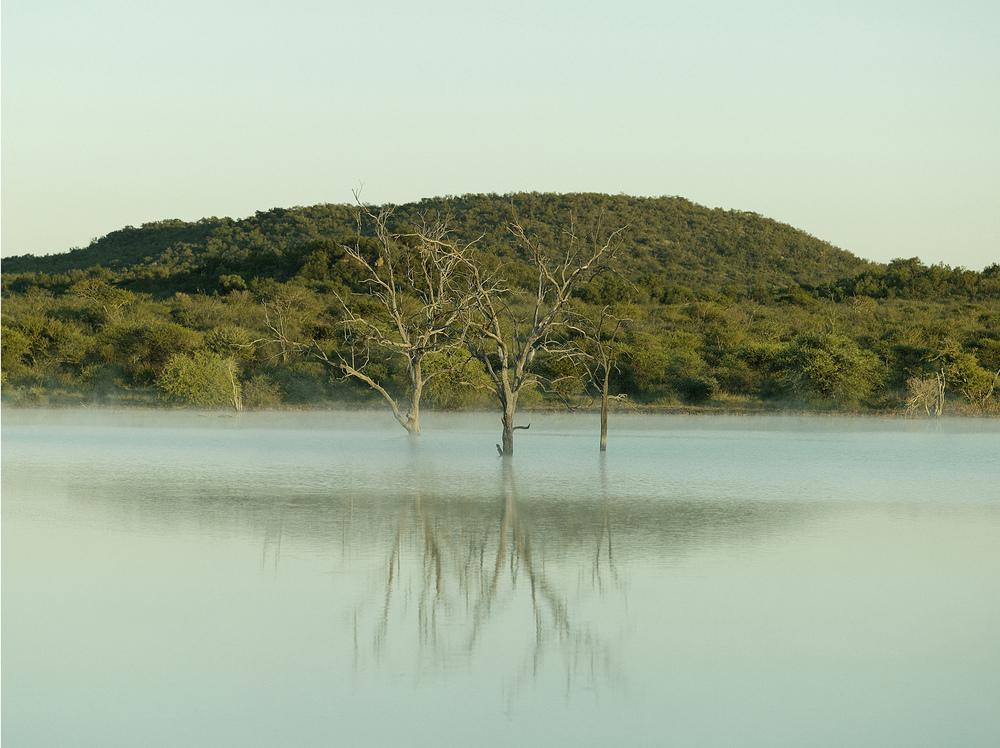 Molori_lake.jpg