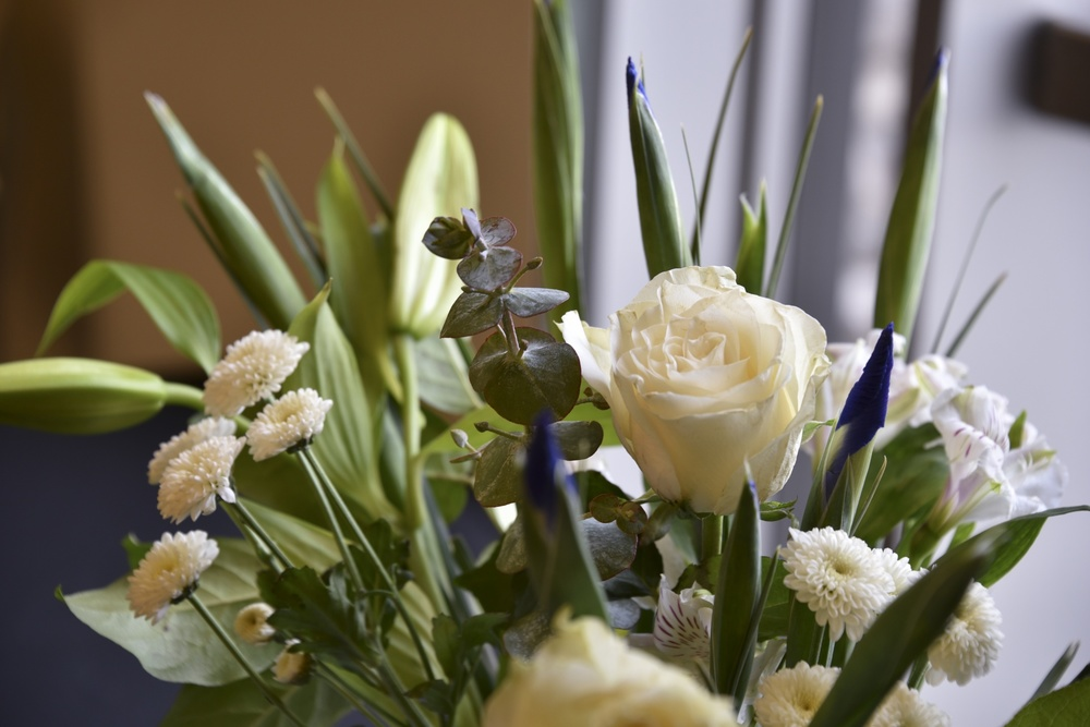 white-floral-bouquet.jpg