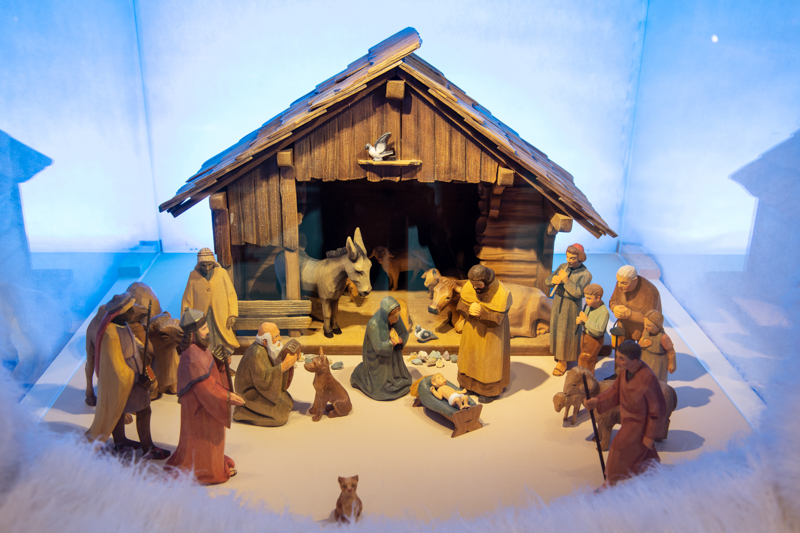 Handcarved Nativity Scene from Huggle Holzbildhaueri on display at the Swiss National Museum, Zurich © Schweizerisches Nationalmuseum