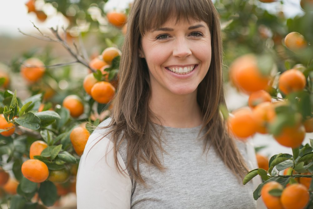 Its our honor to introduce our friend,Lauren Dahl. Lauren has been pursuing the art of homemaking for more than a decade. She strives to create a completely non-toxic and self-sustainable environment for her family. Her heart is to help others find the confidence to take simple steps towards a safer home.