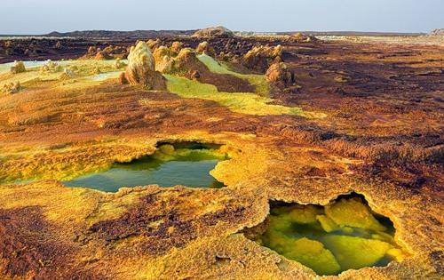 Danakil-Depression-desert-by-Russian-photographer-Viktoria-Rogotneva-2.jpg