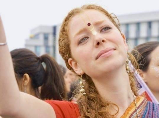 jahnavi-harrison-bhakti-yoga.jpg