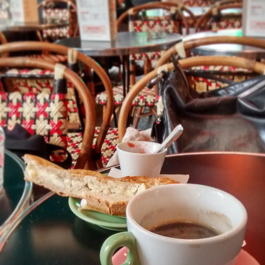 cafe-des-dames-2.jpg