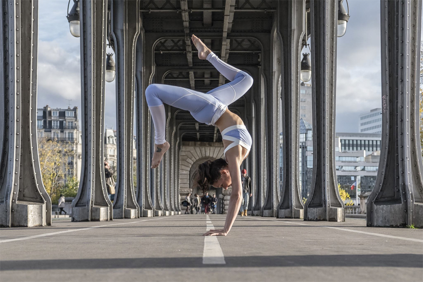 inversions-bluetiger-yoga-paris.jpg