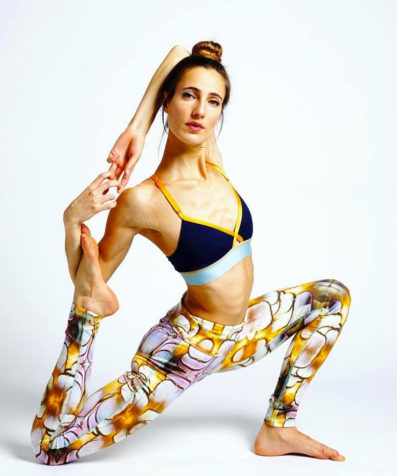 gloria-yoga-paris-bhv.jpg