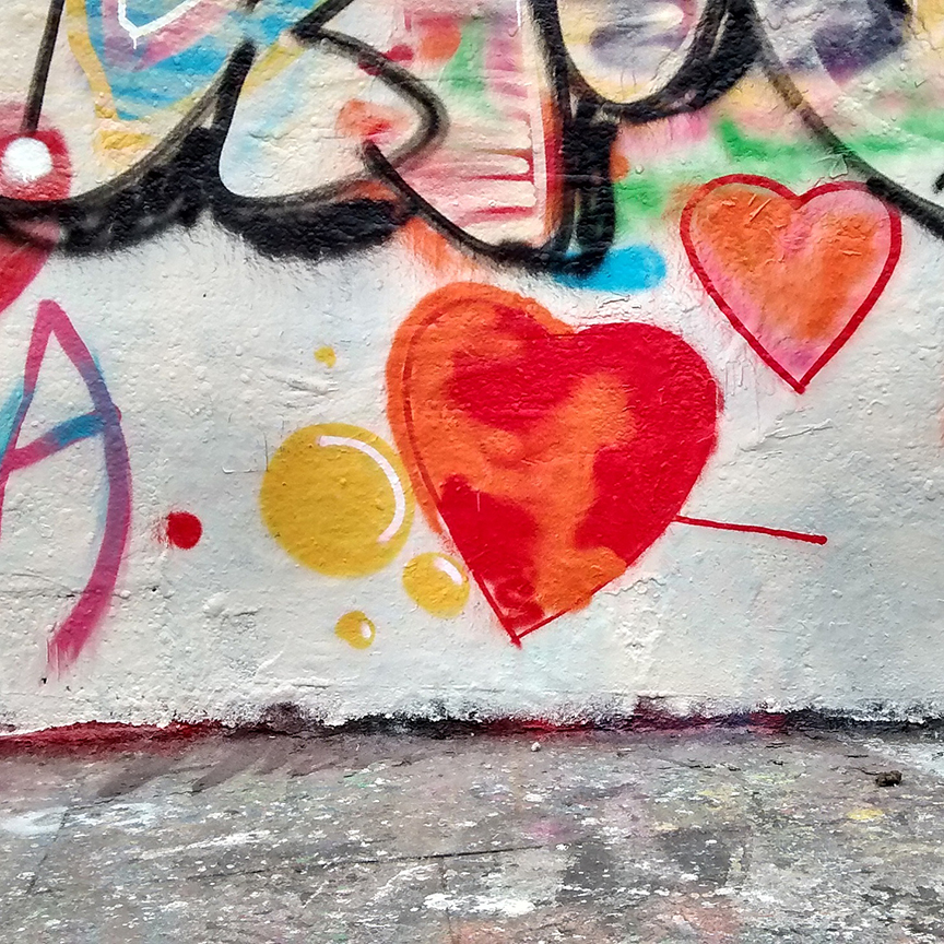 paris-amour-graffiti.jpg