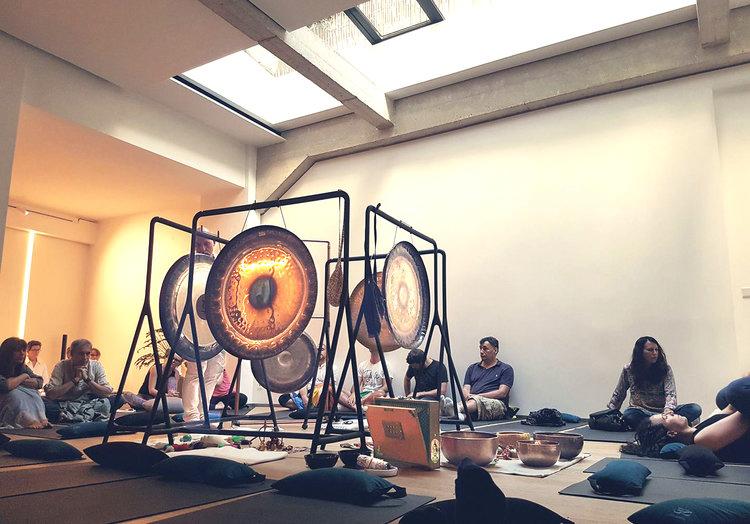 gong-bath-sutratma-centre-element.jpg