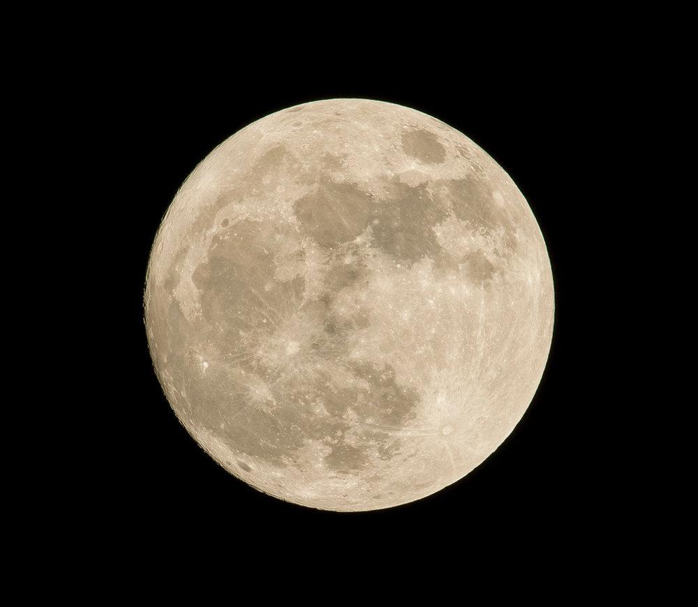 full-moon-unsplash.jpg