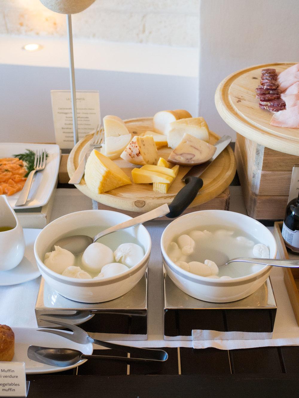 LaSommita-breakfast5.jpg