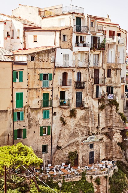 buildings-in-tropea-calabria-italy-conde-nast-traveller-8sept16-oliver-pilcher_426x639.jpg