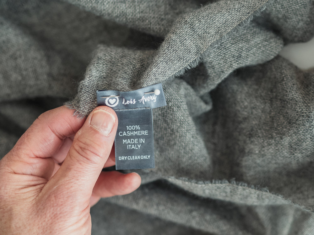 hands-grey1.jpg